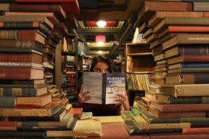 読書してる人
